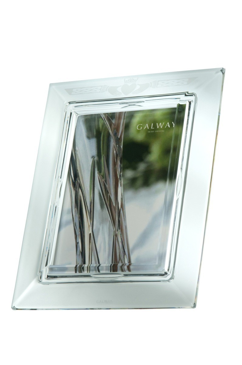 Galway Crystal Claddagh 5 x 7 Photo Frame