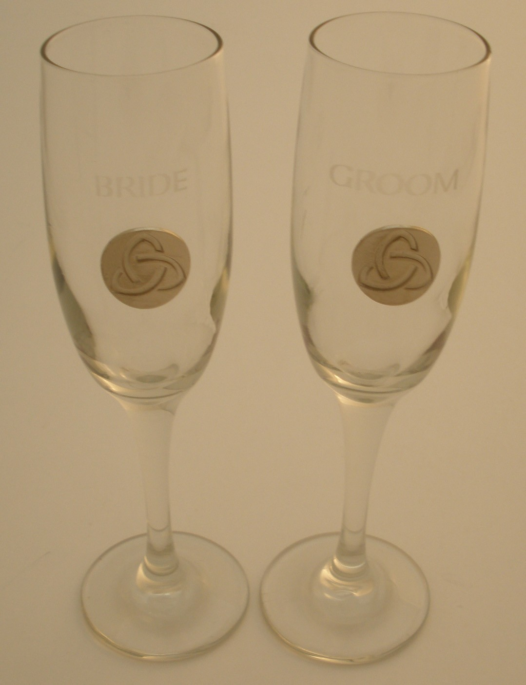 Irish Champagne Flute Glasses Bride and Groom Silver Trinity Knot